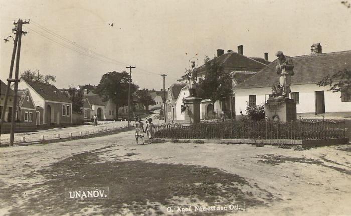 Únanov před rokem 1938
